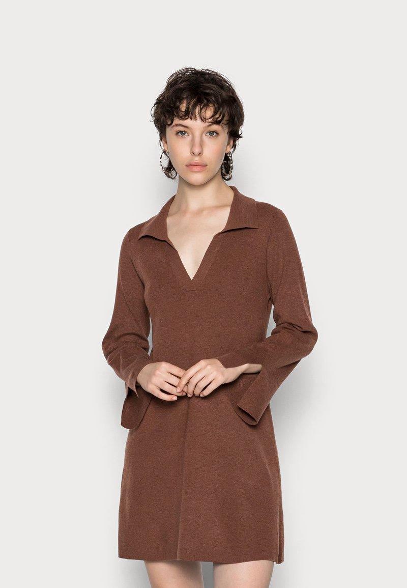 Fashion Union - JEN - Gebreide jurk - chocolate brown