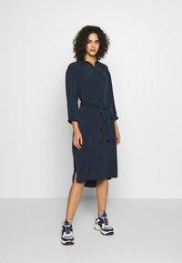 Monki - VALENTINA DRESS - Skjortekjole - blue - 1