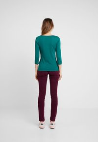 Benetton - 3/4 SLEEVE BOATNECK TEE - Langærmede T-shirts - forest green - 2