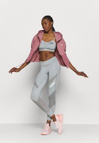 Puma - PAMELA REIF X PUMA COLLECTION FULL ZIP HOODIE - Sweatjacke - mesa rose - 1