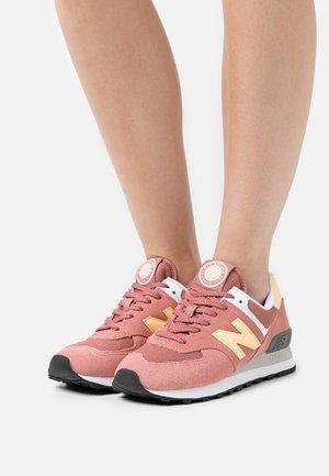 WL574 - Sneakers laag - burgundy