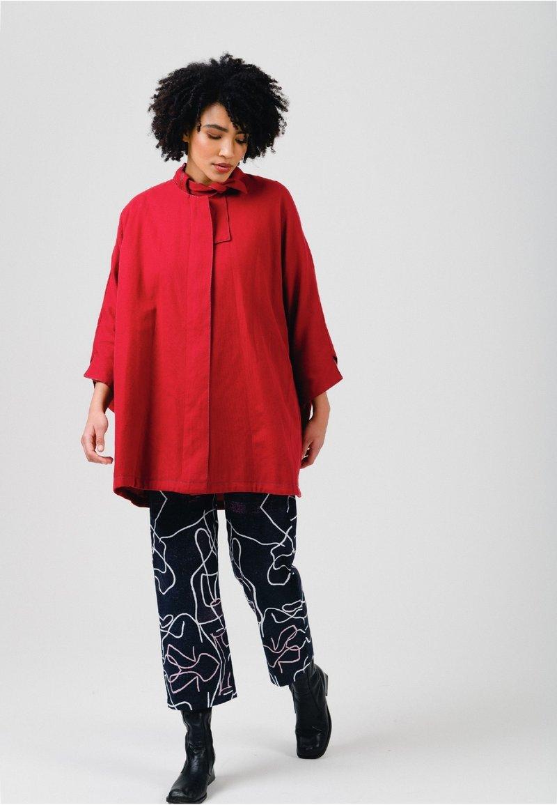 Solai - Short coat - fiery red