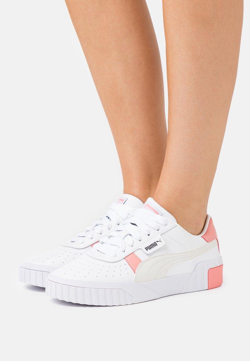 Puma - CALI  - Sneakers laag - white/salmon/rose/gray