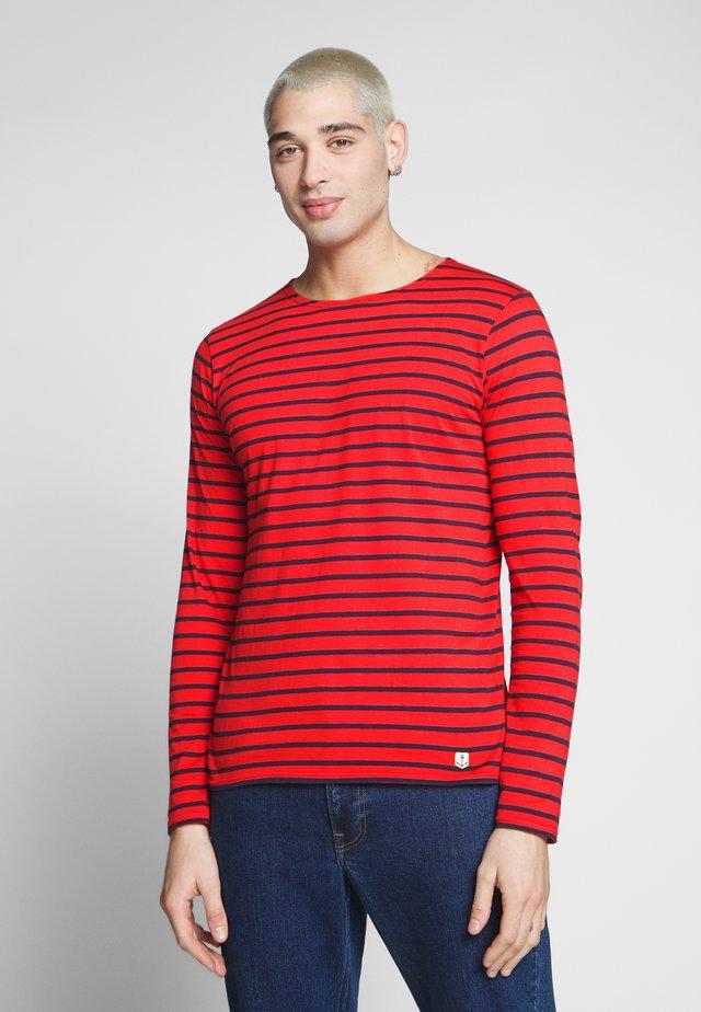 PLOZÉVET  - Bluzka z długim rękawem - rouge/navire