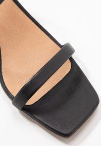 L'INTERVALLE - KENDI - Sandaalit nilkkaremmillä - black - 2