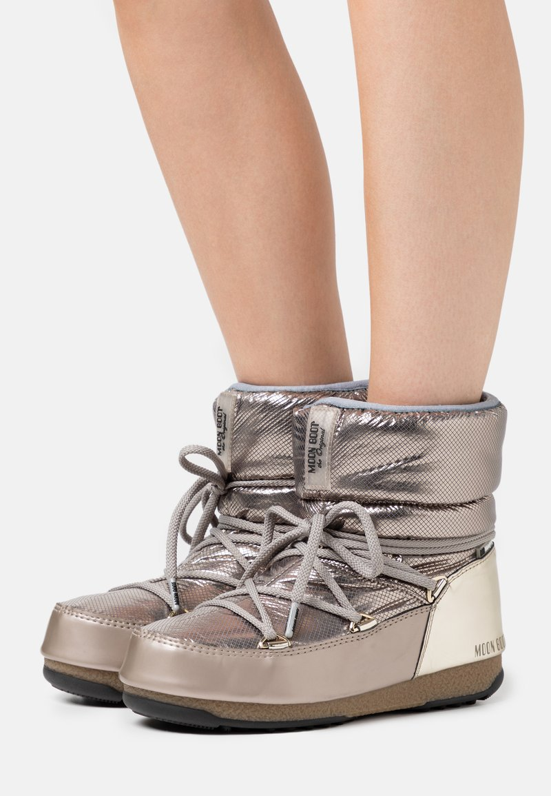 Moon Boot - LOW MORITZ WP - Winter boots - platinum