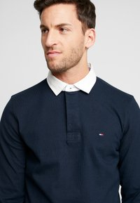 Tommy Hilfiger - ICONIC RUGBY - Piké - blue - 4