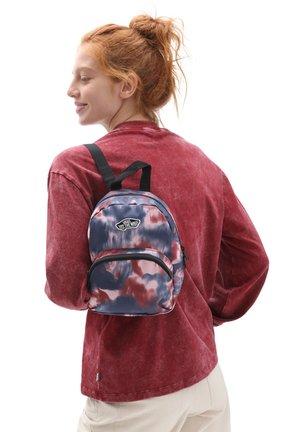 WM GOT THIS MINI BACKPACK - Reppu - pomegranate tie dye
