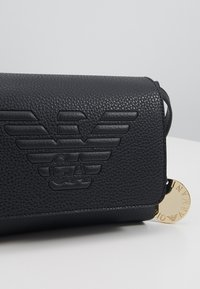 Emporio Armani - ROBERTA EAGLE MINI  - Across body bag - nero - 6
