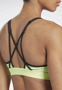 Reebok - LUX STRAPPY MEDIUM-IMPACT SPORTS BRA - Sports bra - green - 3