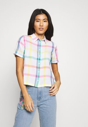SHORTSLEEVE SHIRT - Button-down blouse - white