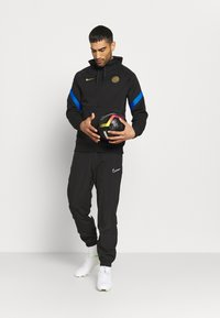 Nike Performance - INTER MAILAND HOOD - Club wear - black/blue spark/truly gold - 1