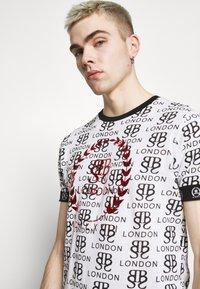 Brave Soul - Print T-shirt - optic white/black/red - 3