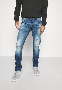 Jack & Jones - JJIGLENN JJFOX - Jeans Tapered Fit - blue denim - 0
