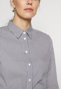 Seidensticker - LANGARM - Button-down blouse - navy - 5