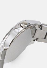 Armani Exchange - LADY HAMPTON - Hodinky - silver-coloured - 2