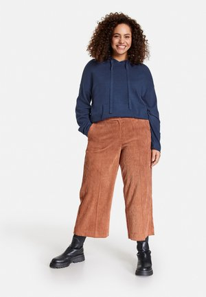 Trousers - truffle brown