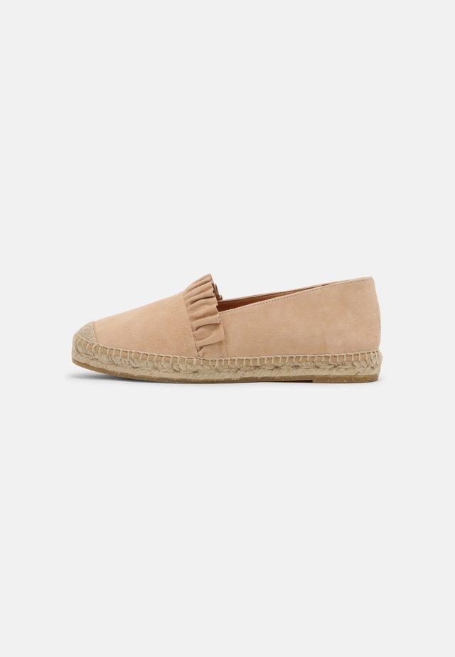 DORA - Loafers - nude