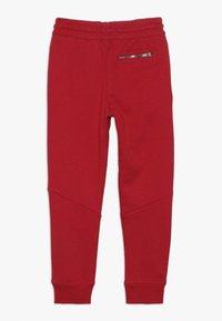 Jordan - WINGS PANT - Pelipaita - gym red - 1