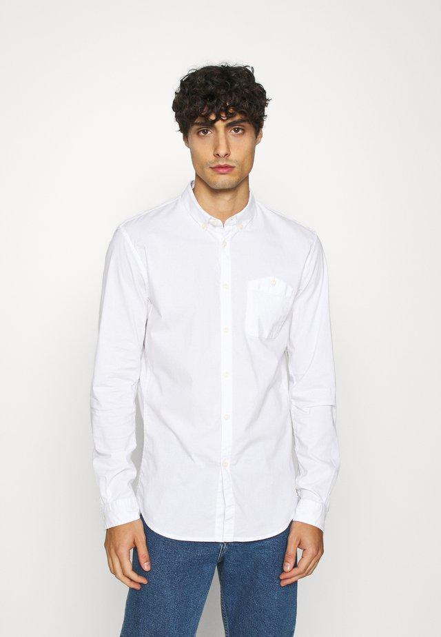 YARN DYED POPLIN - Shirt - white