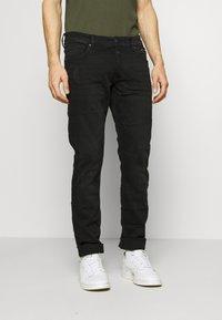 QS by s.Oliver - Slim fit jeans - black melange - 0