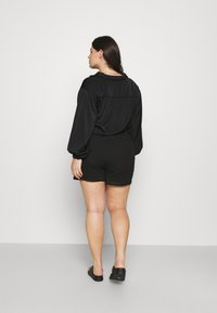 CAPSULE by Simply Be - SHIRRED WAIST - Shorts - black - 2