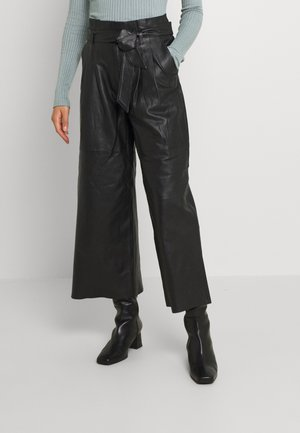 OBJRILEY PANTS - Pantalon en cuir - black