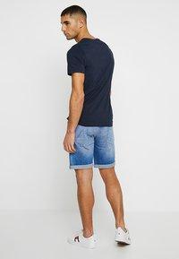 Jack & Jones - JJERAFA - Print T-shirt - navy blazer - 2