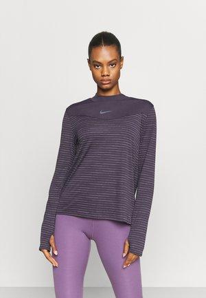 RUN - Sports shirt - cave purple/atomic orange