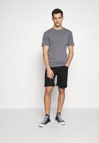 Tiger of Sweden Jeans - ASH - Denim shorts - black - 1