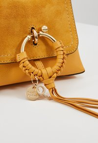 See by Chloé - JOAN - Handtasche - burnt yellow - 6