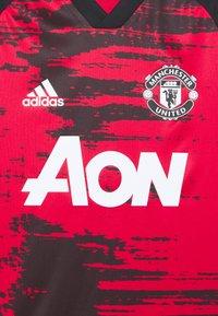 adidas Performance - MANCHESTER UNITED AEROREADY FOOTBALL UNISEX - Sports shirt - reared/black - 2