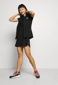 The North Face - WOMENS SIMPLE DOME TEE DRESS - Žerzejové šaty - black - 1