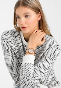 Armani Exchange - Horloge - rose gold-coloured - 0