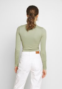 BDG Urban Outfitters - ZIP FUNNEL - Long sleeved top - green smoke - 2