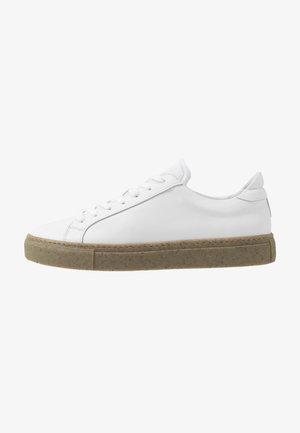 TYPE - Sneakers laag - white