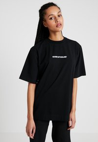 House of Holland - BLACK 'HOH' EMBROIDERED  - Print T-shirt - black - 0
