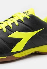 Diadora - PICHICHI 3 ID - Indoor football boots - black/fluo yellow - 5