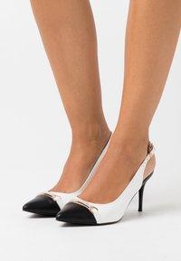Wallis - CANNON - High heels - white/black - 0