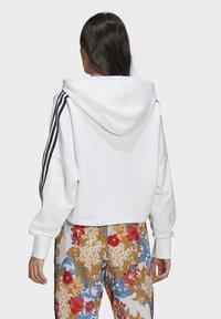 adidas Originals - BOXY - Sweatshirt - white - 1