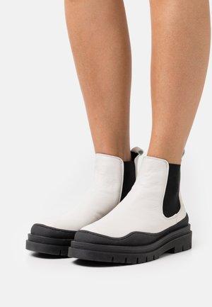 CPH735  - Platform ankle boots - eggshell