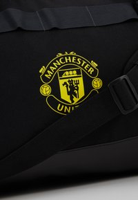 adidas Performance - MANCHESTER UNITED FC - Sportovní taška - black/solar grey/bright yellow - 8