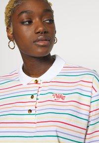 Nike Sportswear - RETRO FEMME - Polo shirt - white - 3