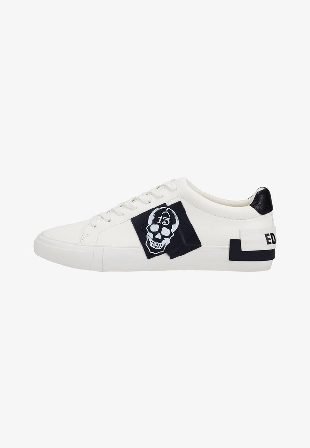 PATCH-ED LOW TOP-SKULL - Sneakers laag - white
