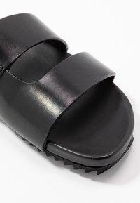 Grenson - CHANNING - Pantolette flach - black - 2