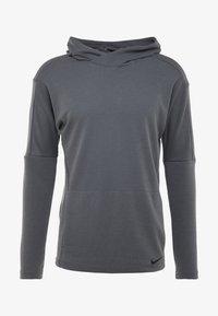 Nike Performance - Jersey con capucha - iron grey/black - 5