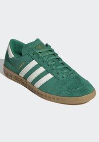 adidas Originals - HAMBURG TERRACE - Sneakers basse - green off white gum - 3