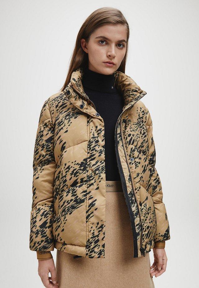 Giacca invernale - smokey leopard / country side khaki