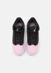 Jordan - MAX AURA 2 UNISEX - Basketbalové boty - black/white/light arctic pink - 3