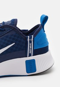 Nike Sportswear - Sneakers basse - blue void/white/signal blue/black - 5